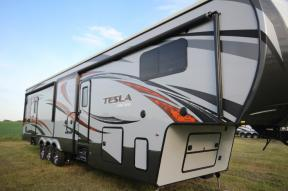 New 2015 EverGreen RV Tesla 3914 Photo