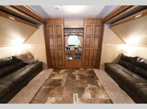 Inside - 2017 Longhorn ReZerve LFZ27BH Fifth Wheel