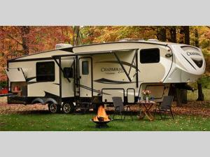Outside - 2017 Chaparral Lite 30BHS Fifth Wheel