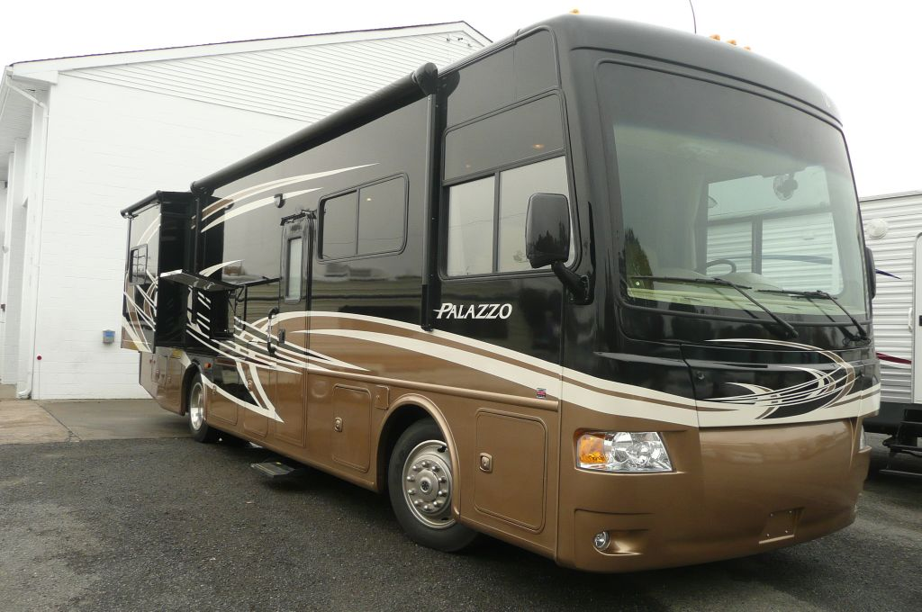 New 2013 thor motor coach palazzo 33 3 motor home class a Thor motor coaches