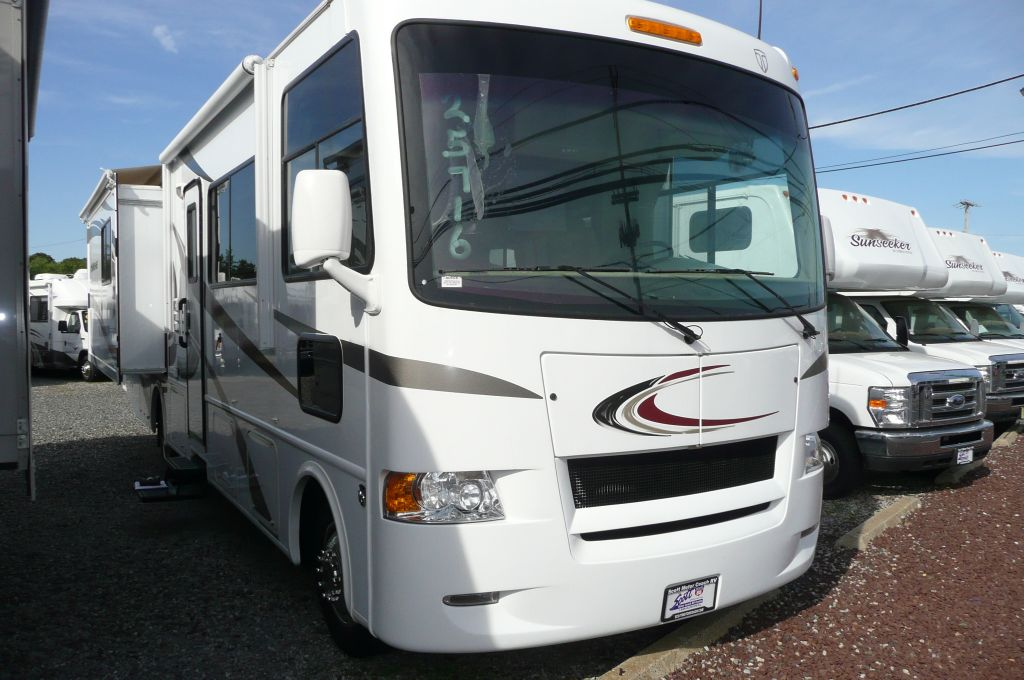 used 2013 thor motor coach hurricane 33g motor home class