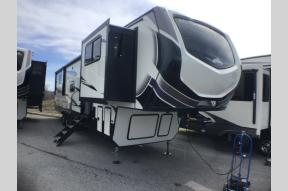 Used 2020 Keystone RV Montana High Country 380TH Photo