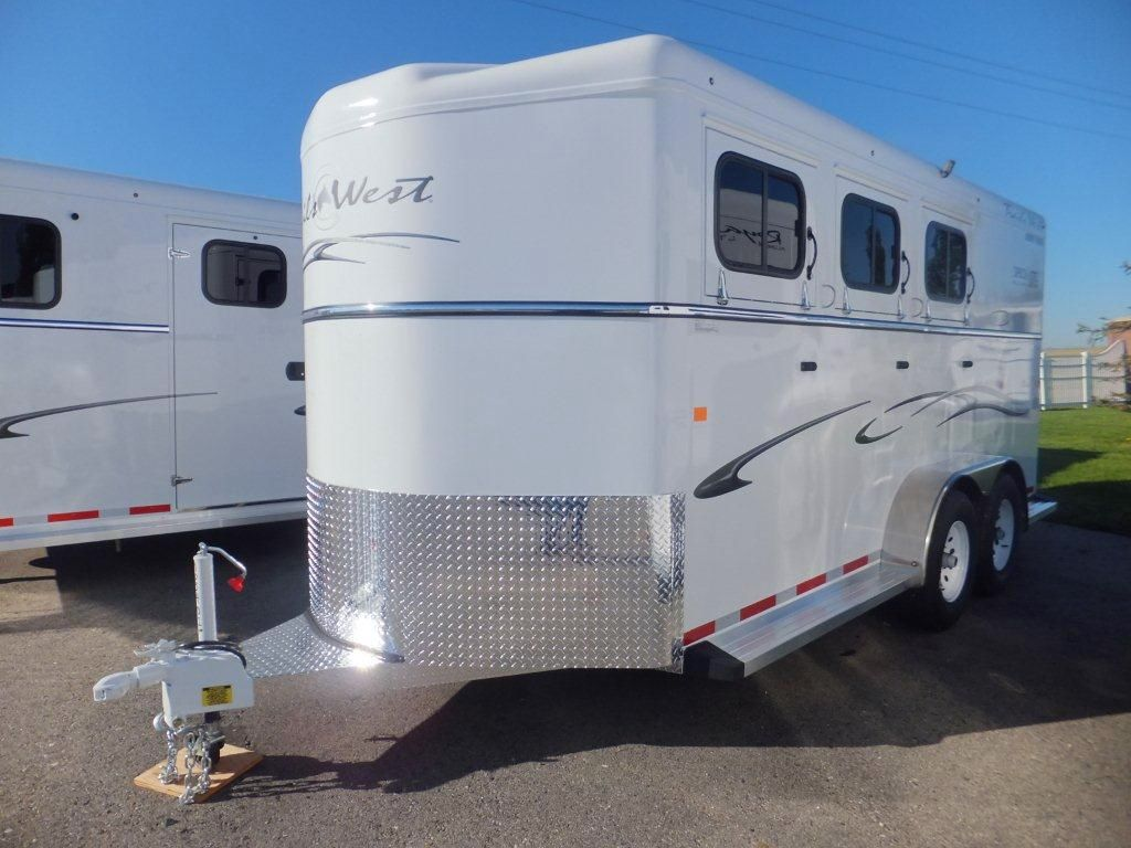 New 2017 Trails West Classic Ii 3hbp Horse Trailer At