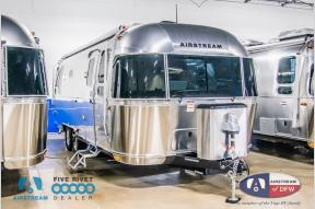 New 2019 Airstream RV Flying Cloud 26RB Photo
