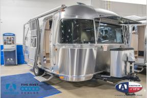 New 2019 Airstream RV Flying Cloud 19CB Bunk Photo