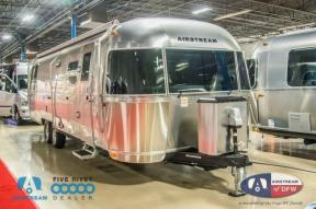 New 2019 Airstream RV Flying Cloud 30RB Photo