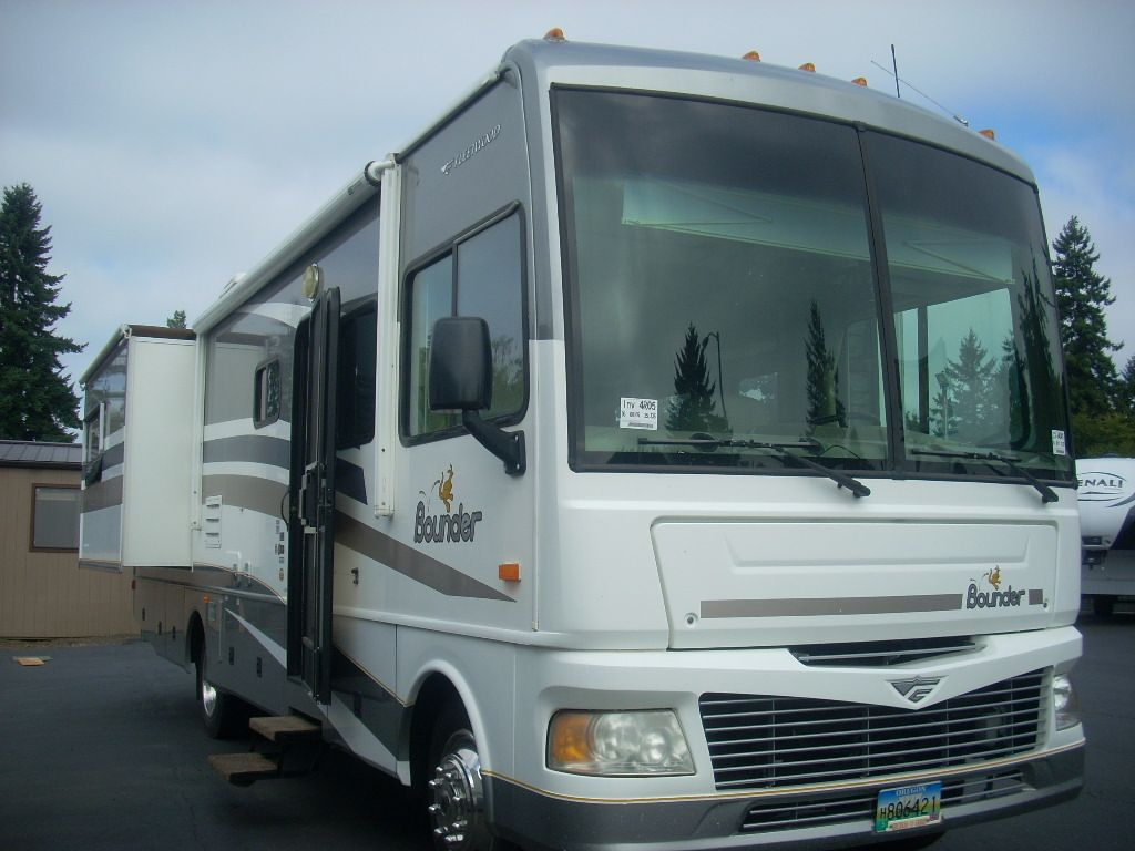 Used 2006 Fleetwood RV Bounder 33R Motor Home Class A at