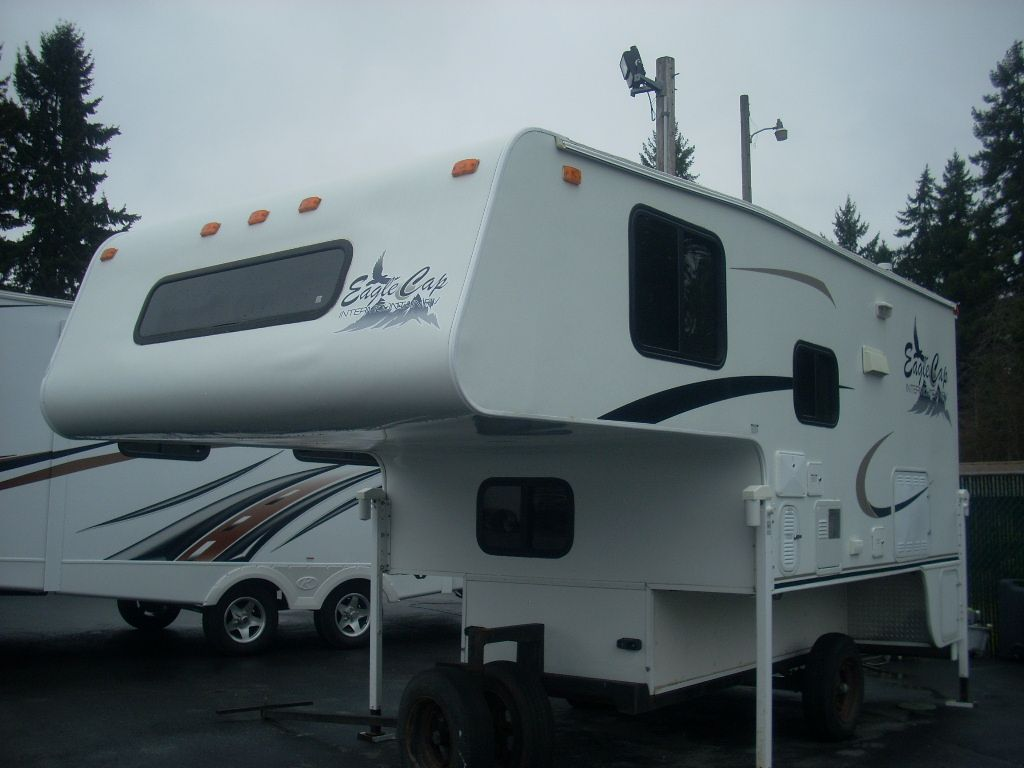 Used 2004 Eagle Cap Campers Eagle Cap 950 Truck Camper at