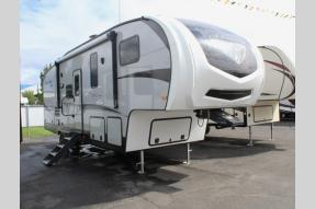 New 2019 Winnebago Industries Towables Minnie Plus 27REOK Photo