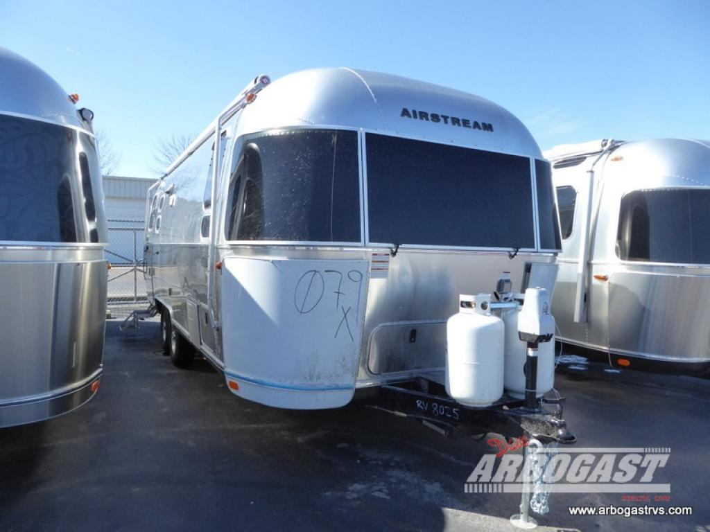 New 2018 Airstream RV Flying Cloud 25FB Twin Travel Trailer
