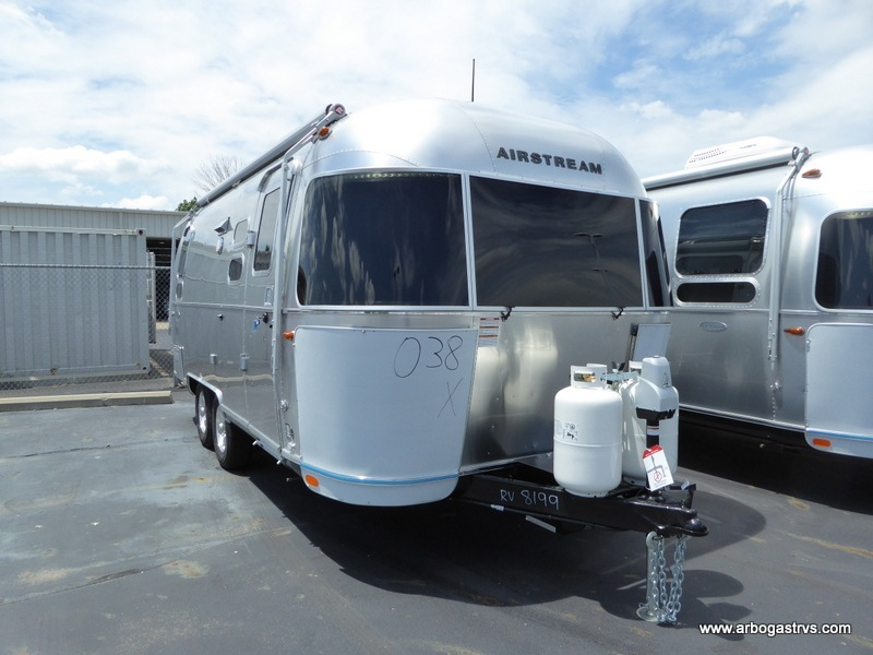 New 2019 Airstream RV Flying Cloud 23CB Travel Trailer at