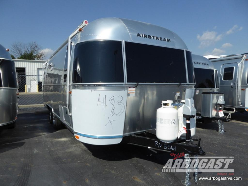 New 2019 Airstream RV Flying Cloud 25FB Travel Trailer at