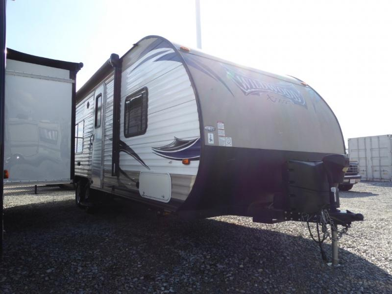 Pre-Owned 2016 Forest River RV Wildwood X-Lite 241QBXL