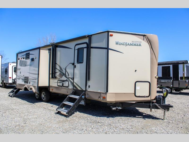 Pre-Owned 2018 Forest River RV Rockwood Wind Jammer 3025W