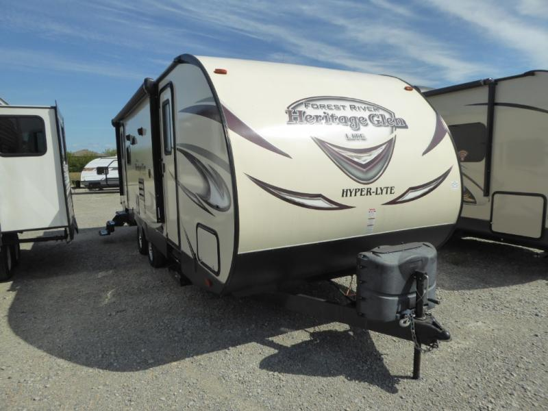 Pre-Owned 2016 Forest River RV Wildwood Heritage Glen Hyper-Lyte 26RLHL