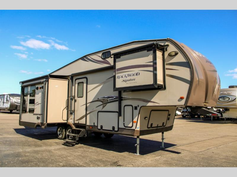 Pre-Owned 2014 Forest River RV Rockwood Signature Ultra Lite 8289WS