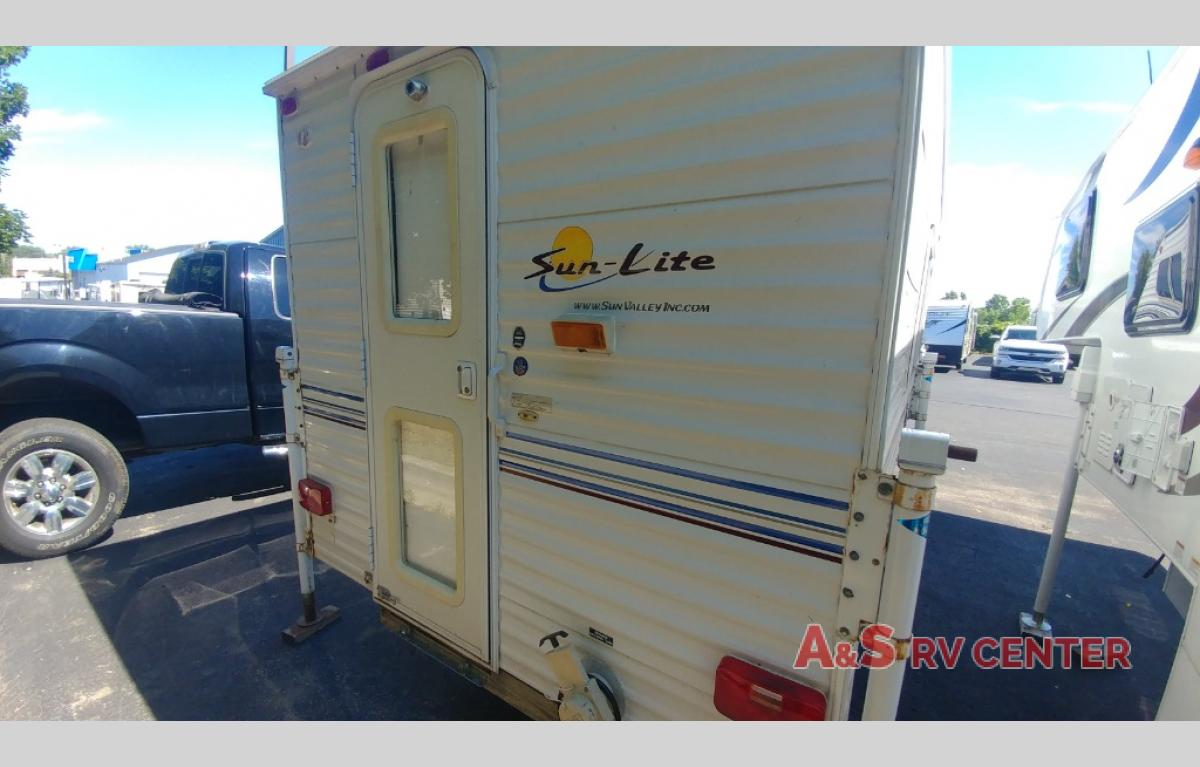 Used 2005 Sunset Park RV Sun Valley SUNLITE 850SE Truck Camper at A