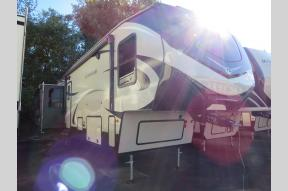 New 2019 Keystone RV Cougar 361RLW Photo