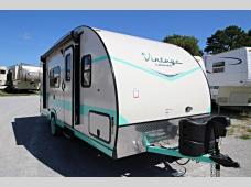 New 2018 Gulf Stream RV Vintage Cruiser 19RBS Photo
