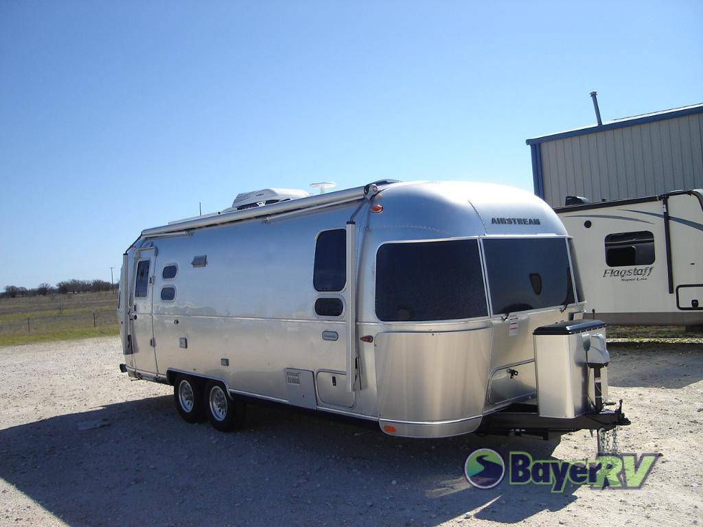 New 2019 Airstream RV Globetrotter 25FB Twin Travel Trailer