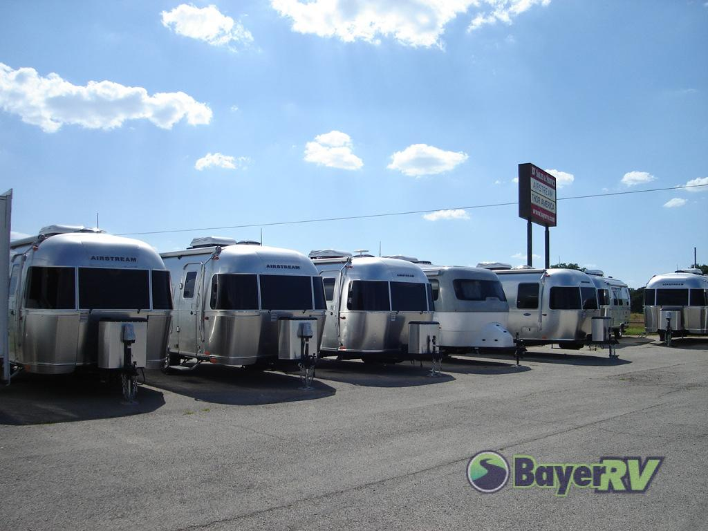 New 2019 Airstream RV Flying Cloud 19CB Travel Trailer at