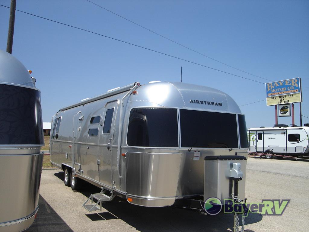 New 2019 Airstream RV Flying Cloud 30RB Travel Trailer at