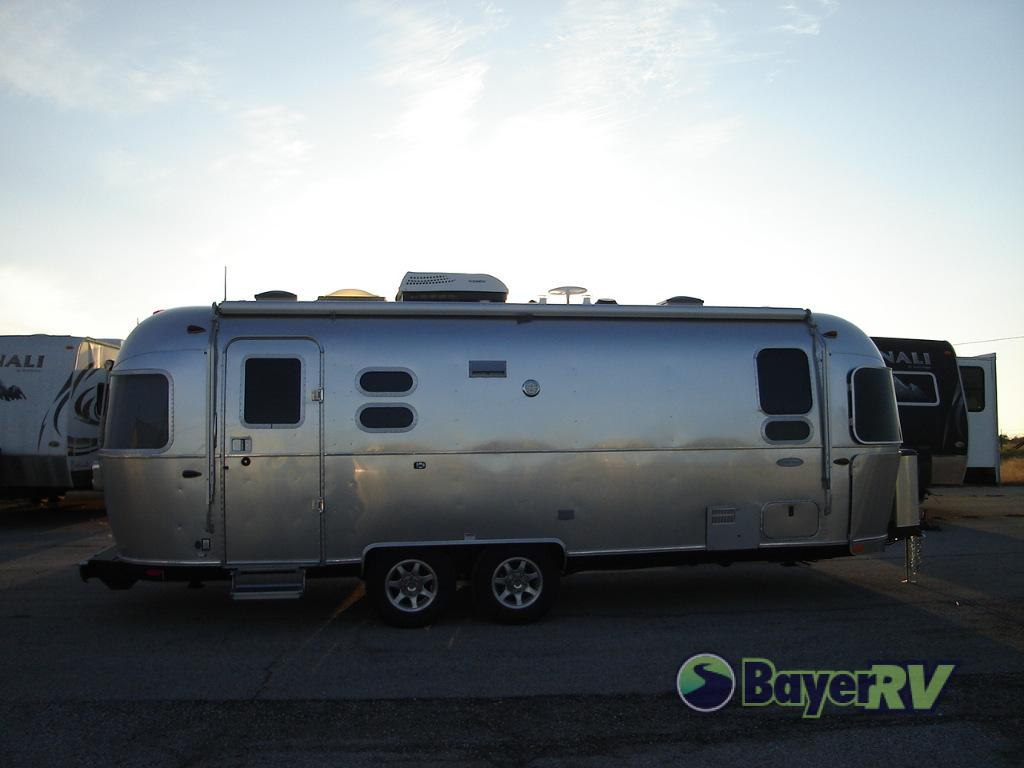 New 2019 Airstream RV Flying Cloud 25FB Twin Travel Trailer