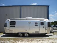Used 2014 Airstream Flying Cloud 25RB twin