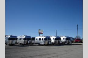 New 2020 Airstream RV Globetrotter 23FB Twin Photo