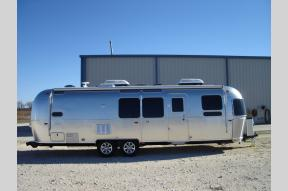 New 2020 Airstream RV Flying Cloud 30FB Bunk Photo