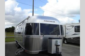 New 2018 Airstream RV Flying Cloud 28RB Photo