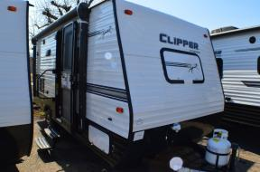 New 2018 Coachmen RV Clipper Ultra-Lite 17FQS Photo