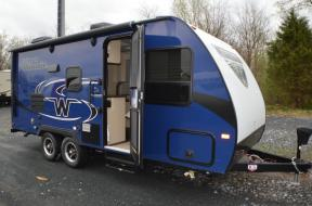 New 2019 Winnebago Micro Minnie 2100BH Photo