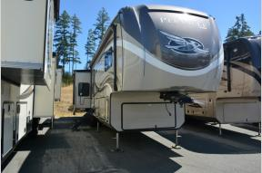 New 2018 Jayco Pinnacle 37RSTS Photo
