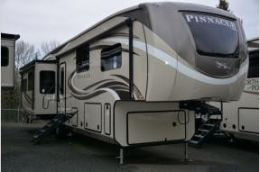 New 2018 Jayco Pinnacle 37RLWS Photo