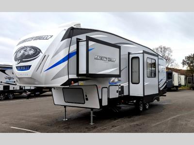 Arctic Wolf Fifth Wheels For Sale | Wholesale New & Used 5th