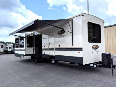 Cedar Creek Cottage Destination Trailer For Sale At Wholesale!
