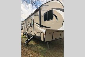 New 2019 Keystone RV Hideout 308BHDS Photo
