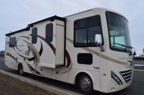 New 2018 Thor Motor Coach Hurricane 31Z Photo
