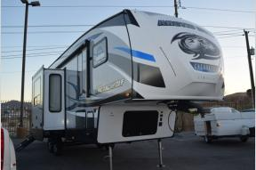 New 2018 Forest River RV Cherokee Arctic Wolf 305ML Photo