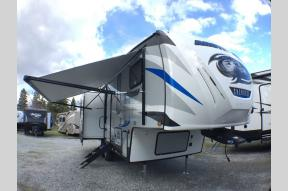New 2019 Forest River RV Cherokee Arctic Wolf 285DRL Photo