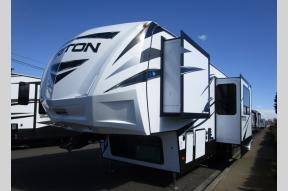 New 2018 Dutchmen RV Voltage V3561 Photo