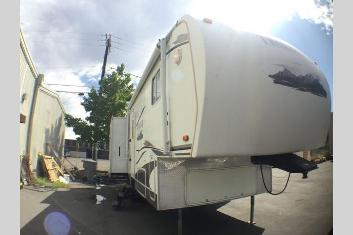 Used Fifth Wheels For Sale in WA, ID, OR, NV | Blue Dog RV