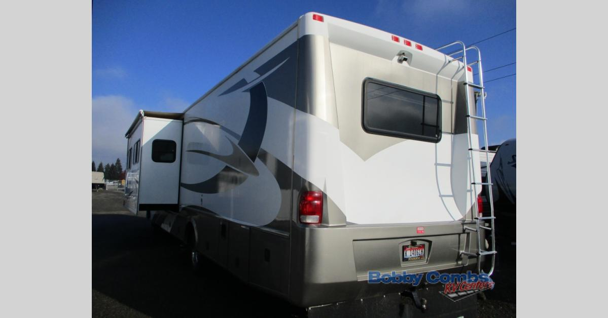 Used 2009 Damon Daybreak 3578 Motor Home Class A at Bobby