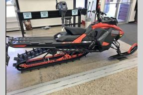 New 2021 Ski-Doo Summit SP Photo