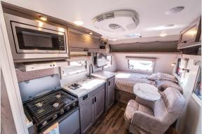 New 2020 Lance Lance Travel Trailers 1475 Photo