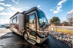 Used 2014 Tiffin Motorhomes Allegro Breeze 32 BR Photo