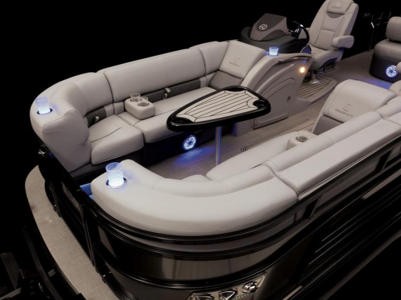 2021 Regency boat for sale, model of the boat is Party Barge 230 LE3 & Image # 5 of 6