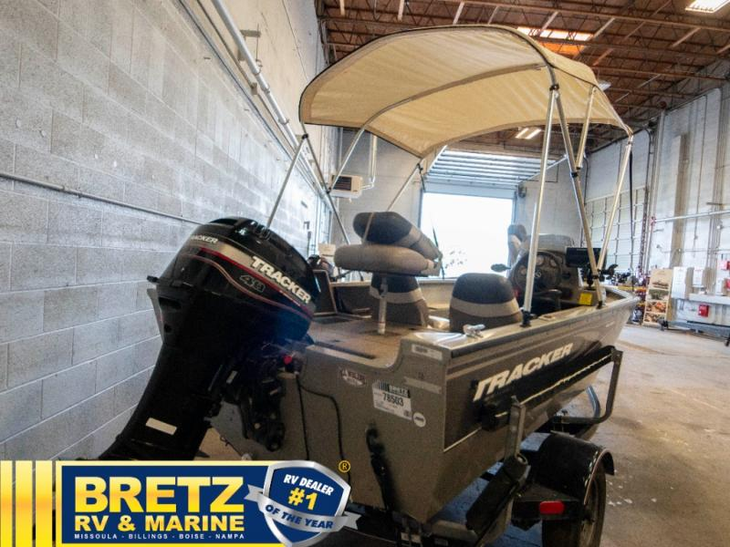 2003 Tracker Boats boat for sale, model of the boat is Tracker Pro Guide V16SC & Image # 4 of 14