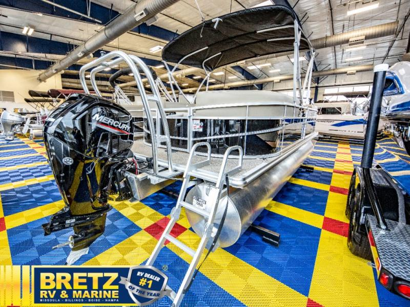2021 Starcraft boat for sale, model of the boat is LX Series 22 R & Image # 9 of 16
